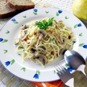 Espaguetis amb xampinyons i llimona